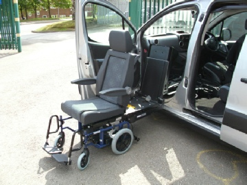 D-Tran rotating seat with G-Tran wheelchair system